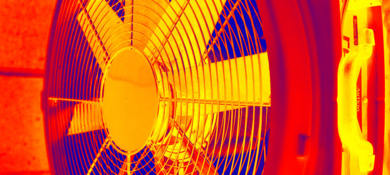 Air tightness testing fan with thermal image effect