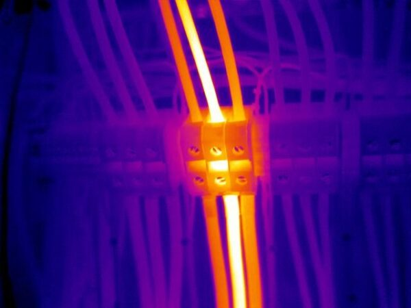 thermal imaging inspection to electrical equipment